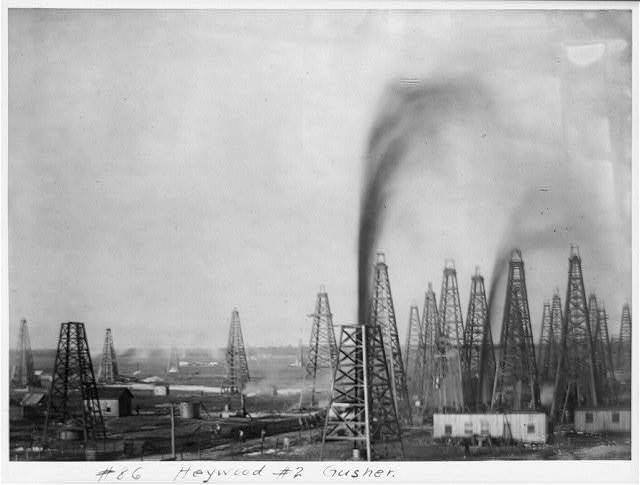 Heywood #2 gusher [Spindletop, Beaumont, Port Arthur, and vicinity, Texas - oil industry].