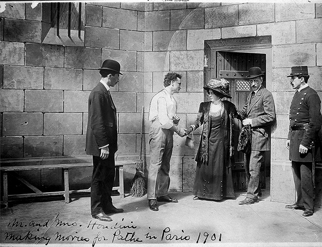 [Houdini, the Handcuff King and Prison Breaker, performs for Pathe Frères, Paris, France]