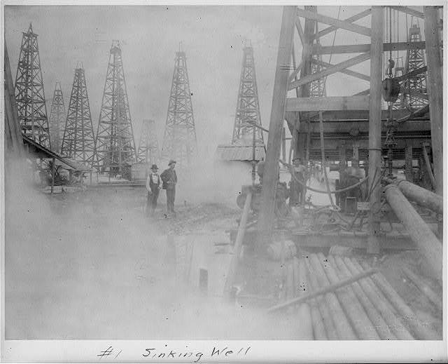 Sinking well [Spindletop, Beaumont, Port Arthur, and vicinity, Texas - oil industry].
