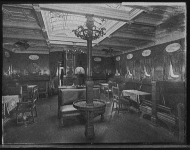 [S.S. Prinzessin Victoria Luise, smoking room]