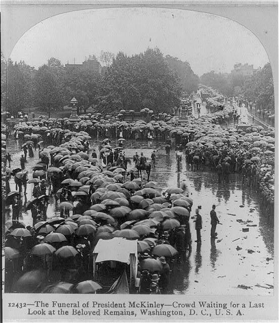 The funeral of President McKinley - crowd waiting for a last look at the beloved remains, Wash., D.C.