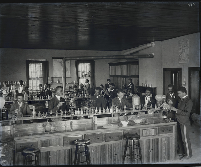 [Chemistry laboratory at Tuskegee Institute, ca. 1902]