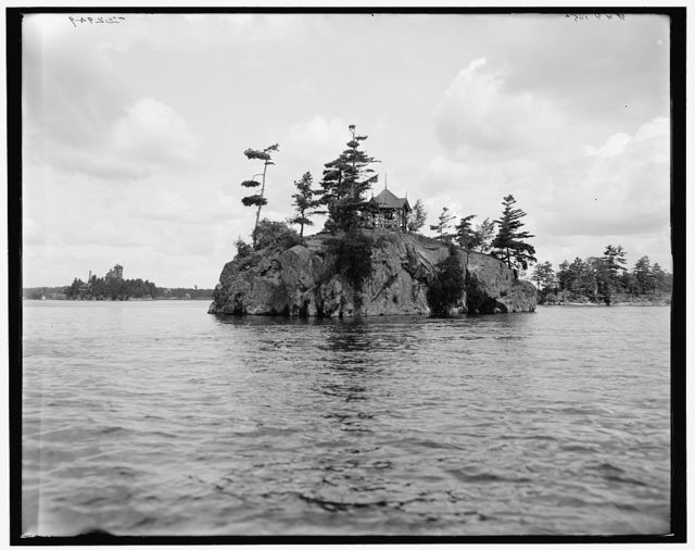[Devil's Oven, Thousand Islands, N.Y.]