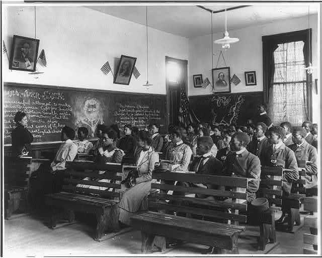 [History class, Tuskegee Institute, Tuskegee, Alabama]