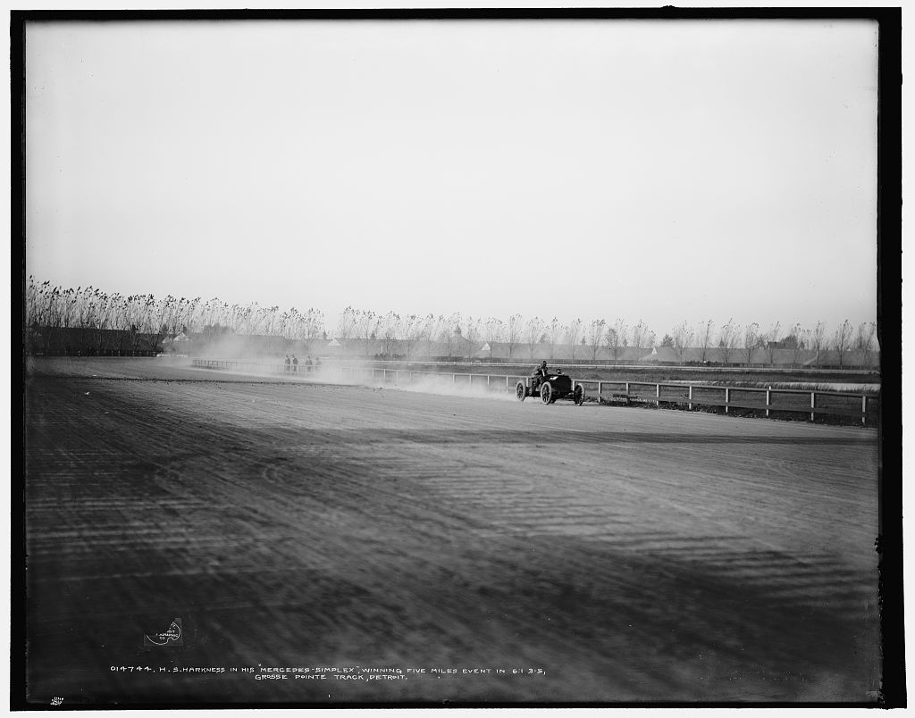 H.S. Harkness in his Mercedes-Simplex, winning five-miles event in 6:1 3-5, Grosse Pointe track, Detroit