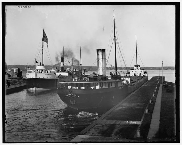 [Lower entrance to Poe Lock, Sault Ste. Marie, Mich.]