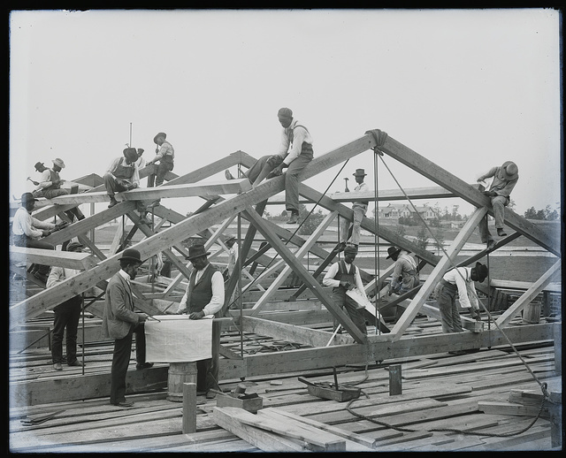 [Roof construction by students at Tuskegee Institute, ca. 1902]