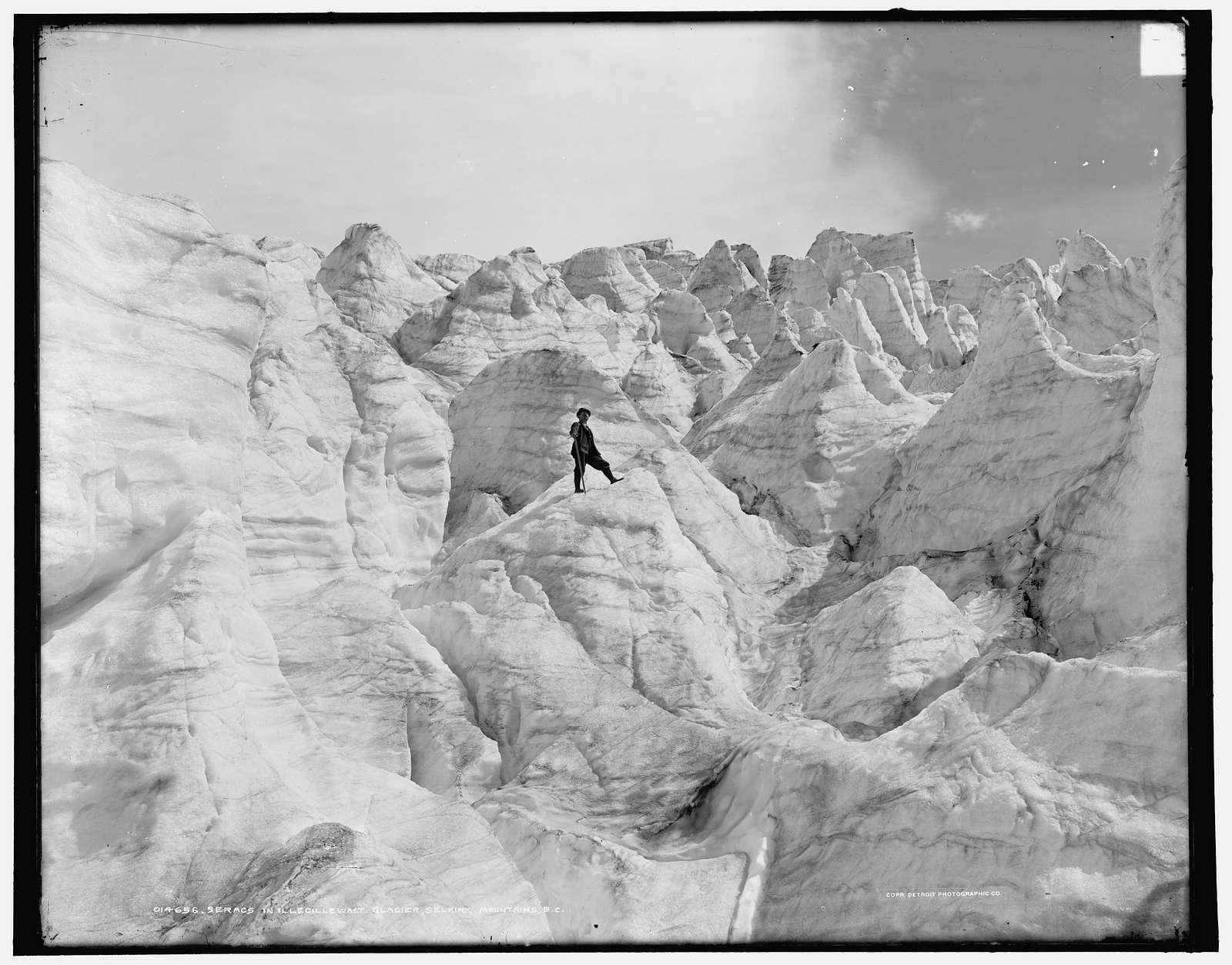 Seracs in Illecillewaet Glacier, Selkirk Mountains, B.C