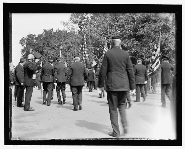 The Naval veterans passing the temporary White House on Jackson Place. The Prst. confined and unable to appear by reason of abcess on leg