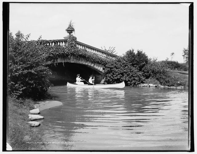 Canoeing at Belle Isle Park