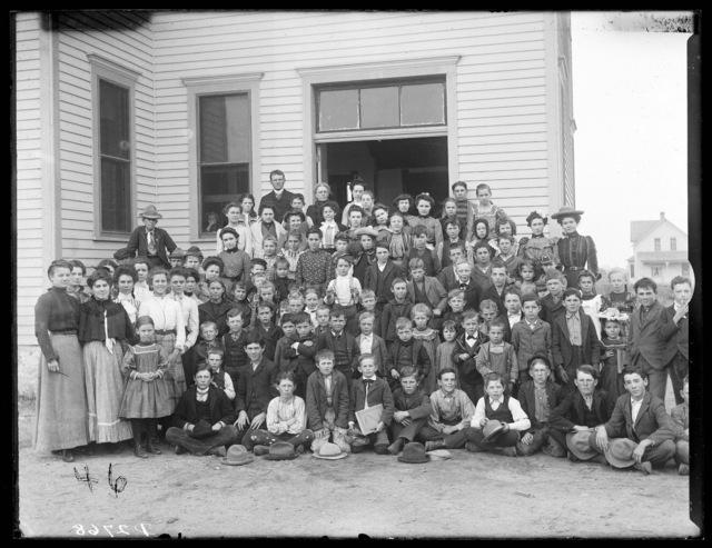 Group photo of students with teachers, Sargent, Nebraska.