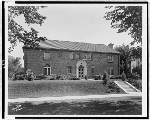 [Large, brick residence at 4050 Mt. View Blvd., Denver, Colorado, designed by architect Jacques Benois Benedict] / Hyskell, Denver.