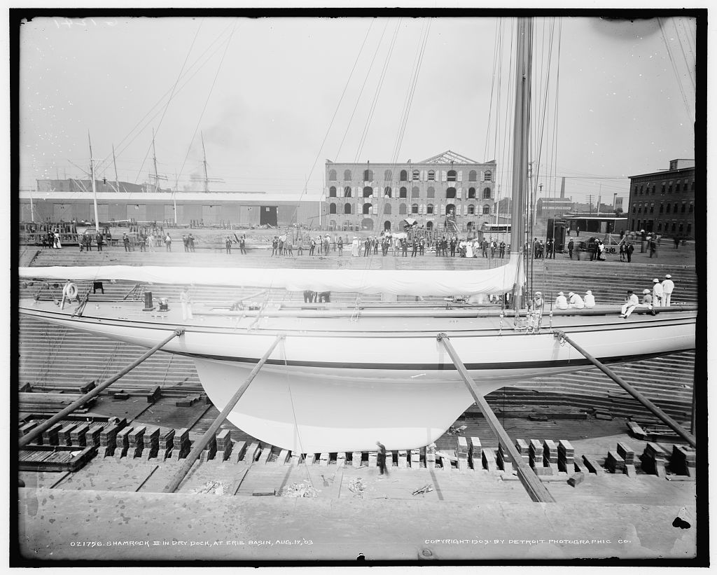 Shamrock III in dry dock at Erie Basin, Aug. 17, 1903