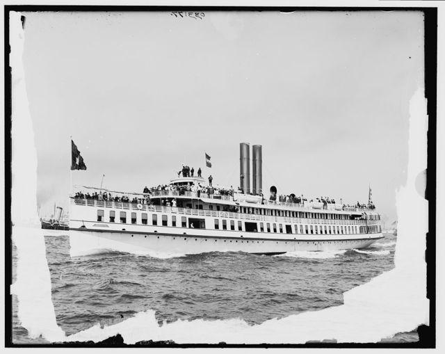 [Steamer Monmouth, N.Y.Y.C. boat at club races]