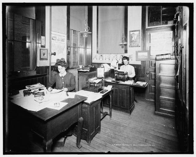 [Stenographers' room, Leland & Faulconer Manufacturing Co., Detroit, Mich.]