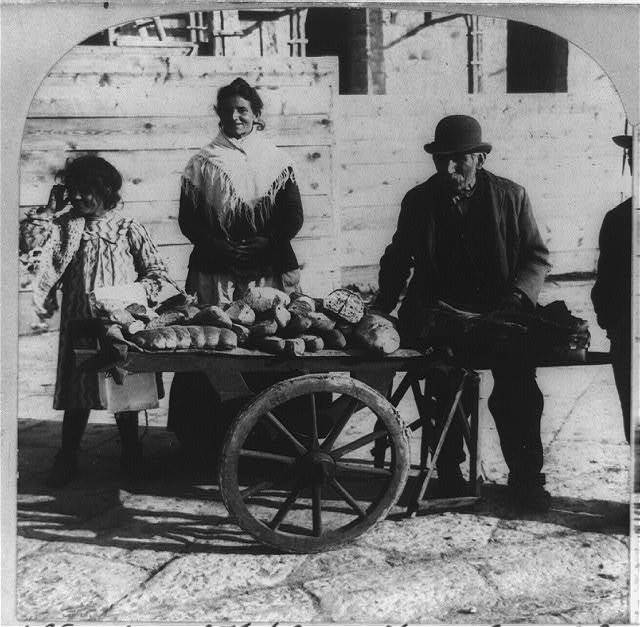 Bread vendors of Naples, a familiar class in the most populous city of Italy