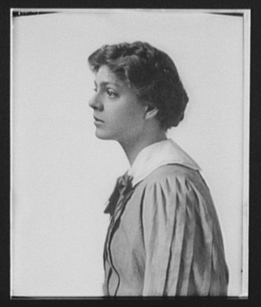 [Ethel Barrymore, half-length portrait, profile facing left]