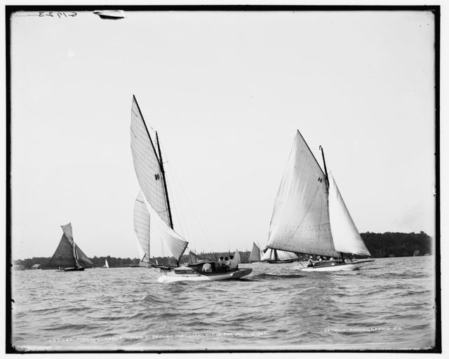 Finesse and Rooster II before the start, Put-in-Bay