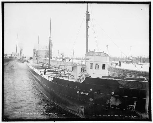 Str. Queen City in the locks, Sault Ste. Marie