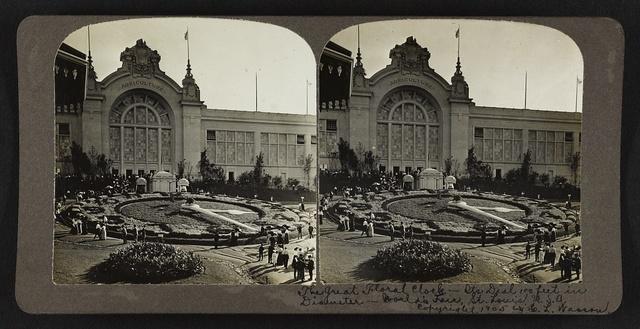 The great floral clock, it's dial 100 feet in diameter, World's Fair, St. Louis, U. S. A.
