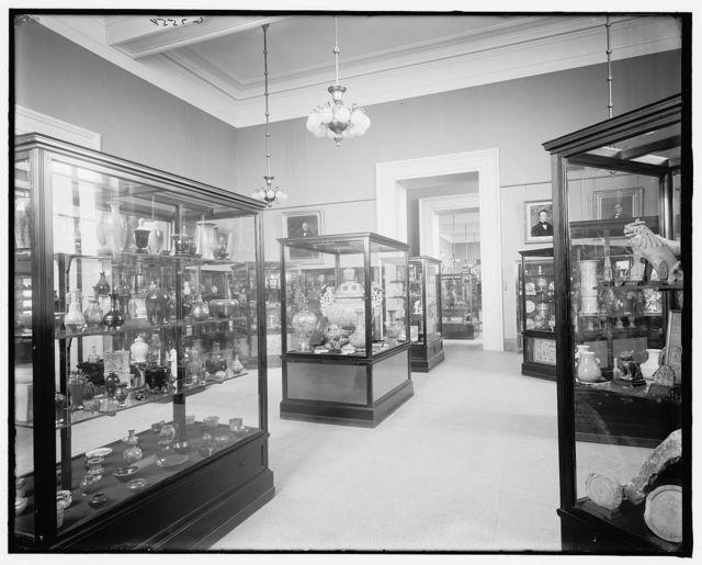 [Brooklyn Institute of Arts and Sciences (Brooklyn Museum), gallery of ceramics, Brooklyn, N.Y.]