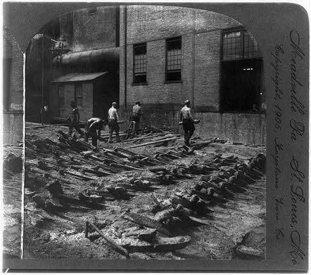 Carrying away and loading the pigs (pig iron), blast furnace, Pittsburg, Pa.