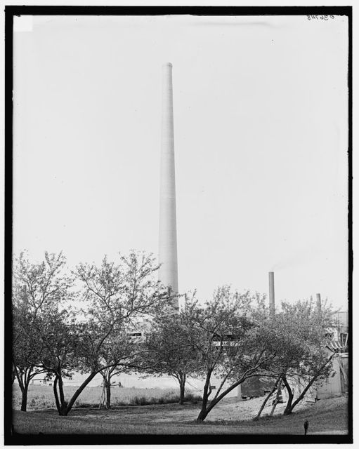 [Eastman Kodak chimney, 366 feet high, Rochester, N.Y.]