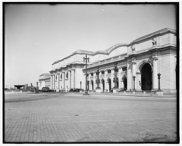 [Front facade, new Union Station, Washington, D.C.]
