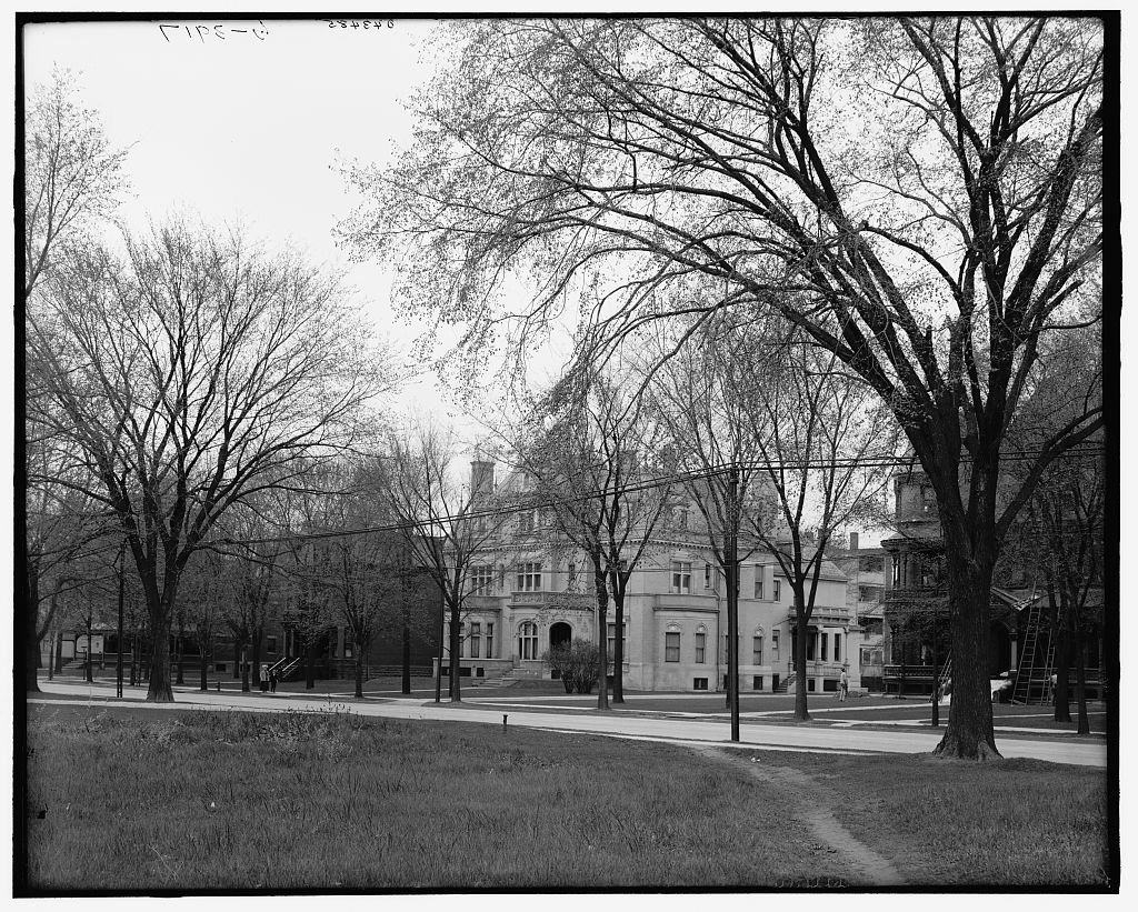 [Home of Mrs. C.L. Stephens, 1123 Woodward Avenue, Detroit, Mich.]