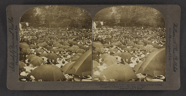 Immense crowd on River Commons awaiting arrival of Pres. Roosevelt, Wilkes-Barre, Pa., Aug. 10, 1905.