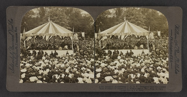 John Mitchell addressing C.T.A.U. delegates and the United Mine Workers of America at Wilkes-Barre, Pa., Aug. 10, 1905.