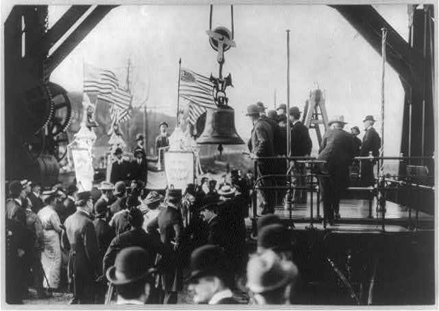 Liberty Bell - Transferring the Liberty Bell from truck to train at St. Louis after the Exposition