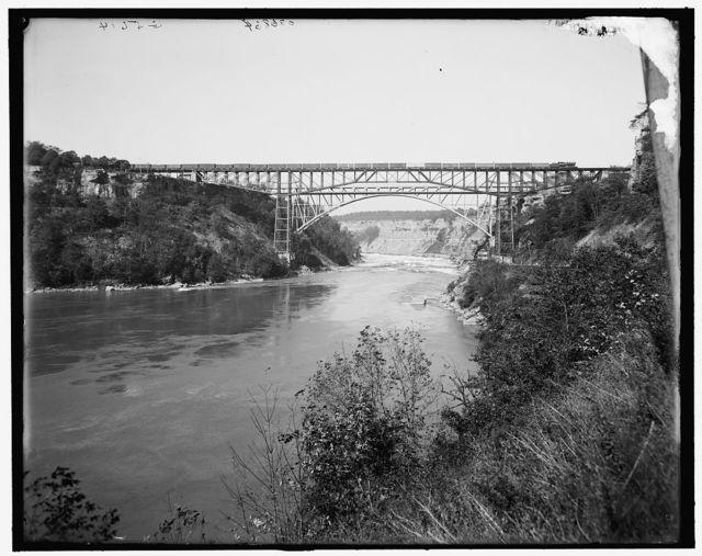 Michigan Central Cantilever and Whirlpool Rapids (Grand Trunk Railway) bridges, Niagara Falls, N.Y.]
