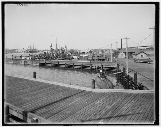 [Norfolk Navy Yard, torpedo station, Portsmouth, Virginia]