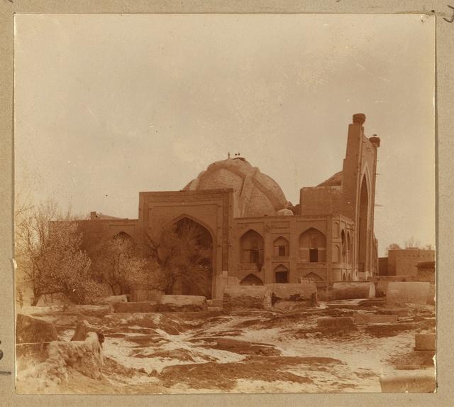 Obshchīĭ vid medresse Bogoėddin. Bukhara