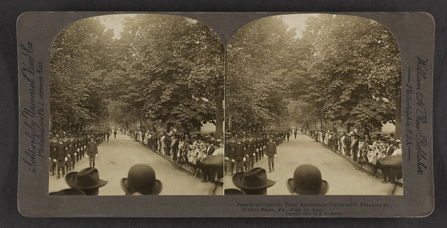 Parade of Catholic Total Abstinence Union on S. Franklin St., Wilkes-Barre, Pa., Aug. 10, 1905.