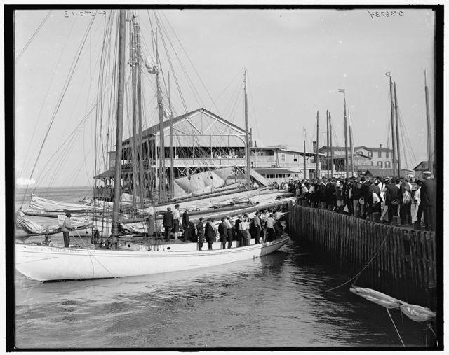 [Return of the winner, regatta day, Atlantic City, N.J.]