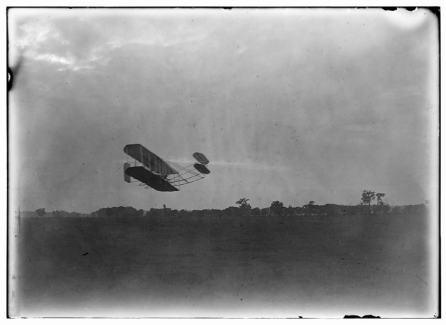[Side view of flight 45, Orville flying to the right close to the ground, covering a distance of about 14.2 miles in 25 minutes and 5 seconds; Huffman Prairie, Dayton, Ohio]