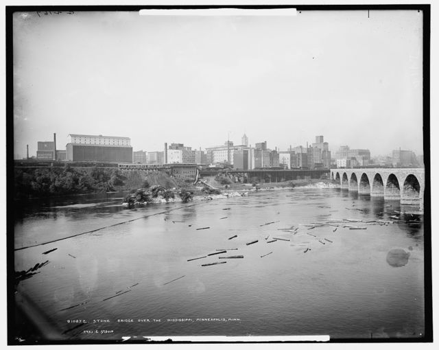 Stone bridge over the Mississippi, Minneapolis, Minn.