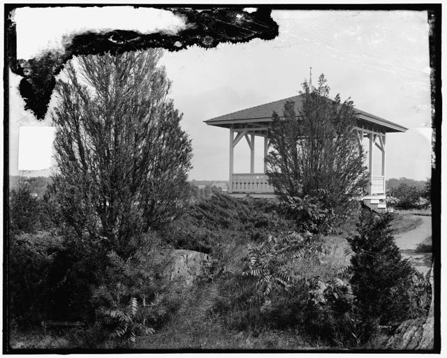 [Summer house, Hotel Wentworth, New Castle, N.H.]
