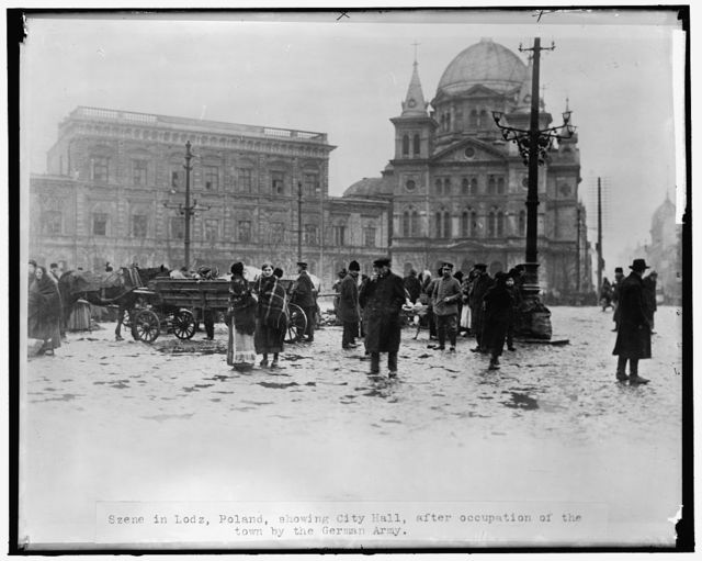 Szene [sic] in Lodz, Poland, showing City Hall, after occupation of the town by the German Army