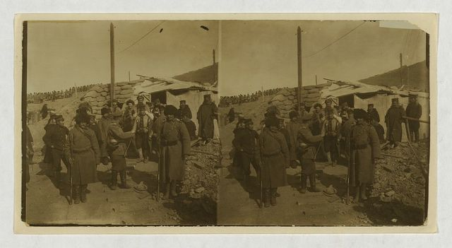 [The surrender -- Japanese sentinels relieving Russian sentinels in an outer fort -- Port Arthur]