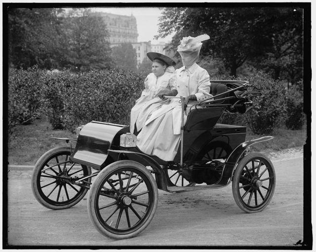 UNIDENTIFIED WOMAN IN AUTO