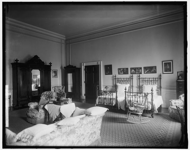 WHITE HOUSE. BED USED BY HELEN TAFT