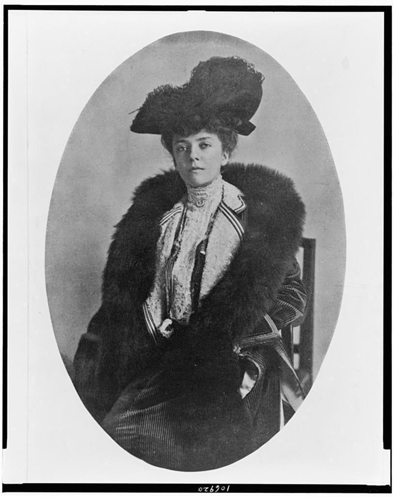 [Alice Roosevelt Longworth, three-quarter length portrait, seated, facing slightly left]