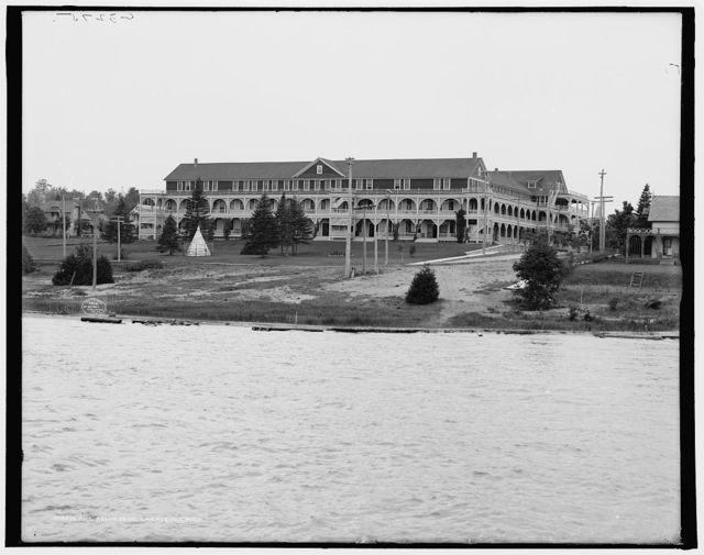 Belvedere, Charlevoix, Mich., The