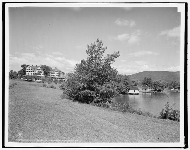 Colonial Hotel, Centre Harbor, Lake Winnipesaukee, N.H.