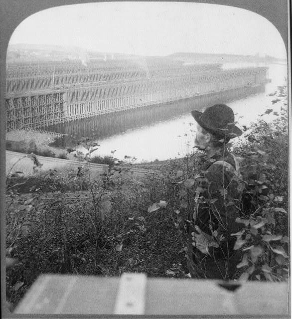 Docks with two miles frontage, holding 200,000 tons of iron ore, Two Harbors, Minn.
