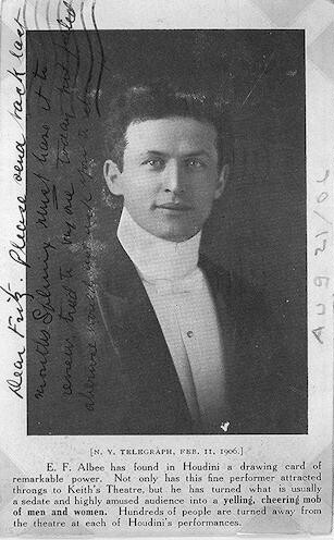 [Harry Houdini, half-length portrait, facing front]