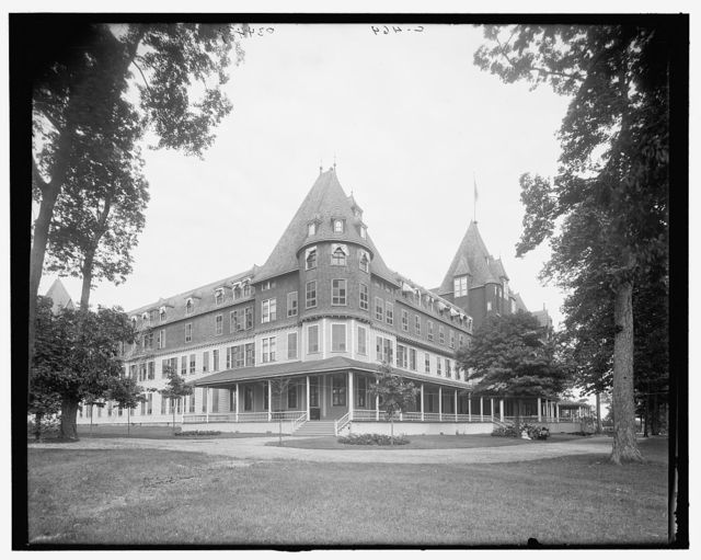 [Hotel Victory, Put-In-Bay, Ohio]